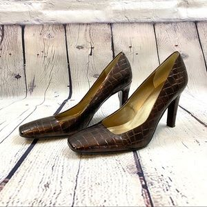 Marc Fisher brown dress shoes